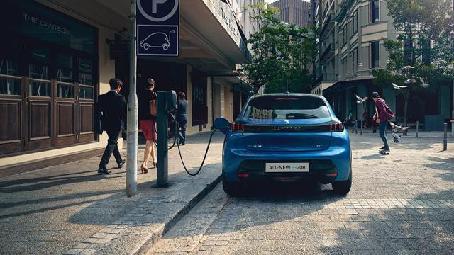 /image/27/2/all-new-peugeot-208-charging-at-public-charging-stations.636272.jpg