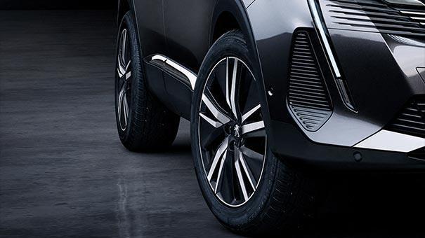 /image/62/1/new-peugeot-3008-suv-design-new-alloy-wheels.784621.jpg